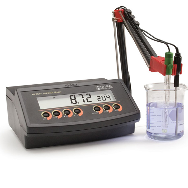 pH meter แบบตั้งโต๊ะ รุ่น HI2210